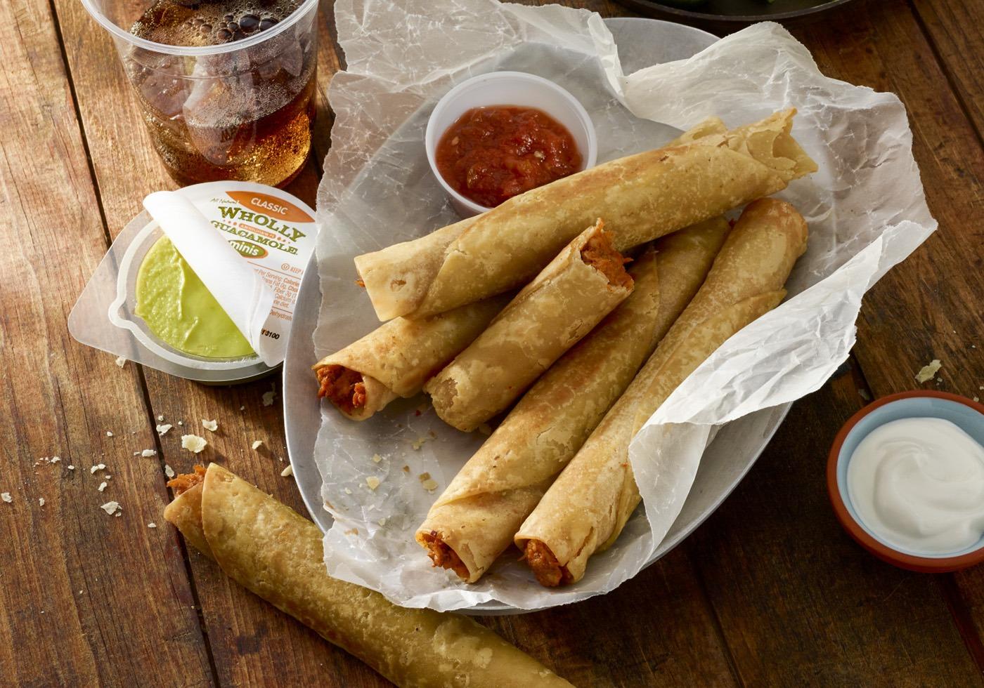 guacamole_salsa_breakfast_taquito